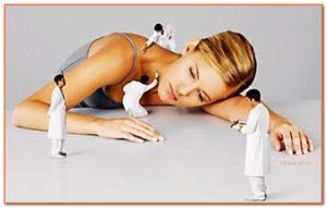 девушка спит врачи